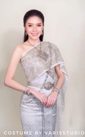 สายเอี้ยม - ชุดไทยจักรพรรดิ สีเงิน