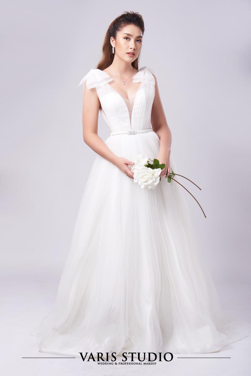 ชุดแต่งงานให้เช่า Classic Vibes Collection No1-5