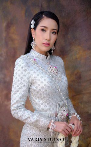 ชุดไทยบรมพิมาน สีเงิน