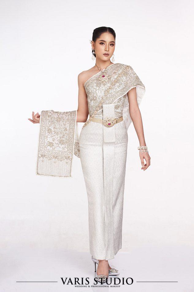 ชุดไทย ชุดแต่งงาน สำหรับเช่า ชุดไทยจักรีสีขาวมุก ดิ้นเงิน สไบปัก