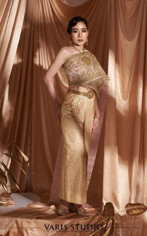 ชุดแต่งงานไทย ชุดไทย สำหรับเช่า ชุดเจ้าสาวไทย ชุดไทยจักรพรรดิ สี Old Rose ดิ้นทอง ลายสับปะรด สไบปัก