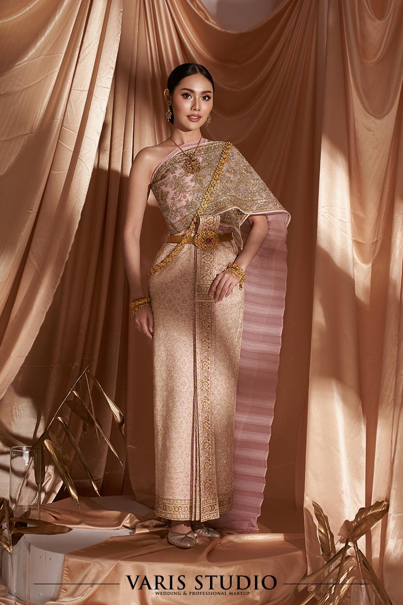 ชุดไทย สำหรับเช่า ชุดไทยเจ้าสาว ชุดไทยจักรพรรดิ สี Light Pink ดิ้นนาค สไบปัก