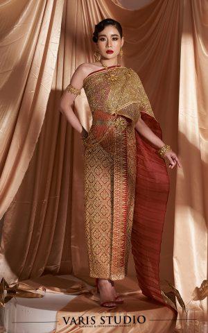 ชุดไทยจักรพรรดิ สีแดง ดิ้นทอง ลายพุ่มข้าวบิณฑ์ สไบปัก